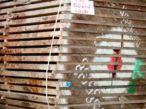 Panneaux et bois massif
